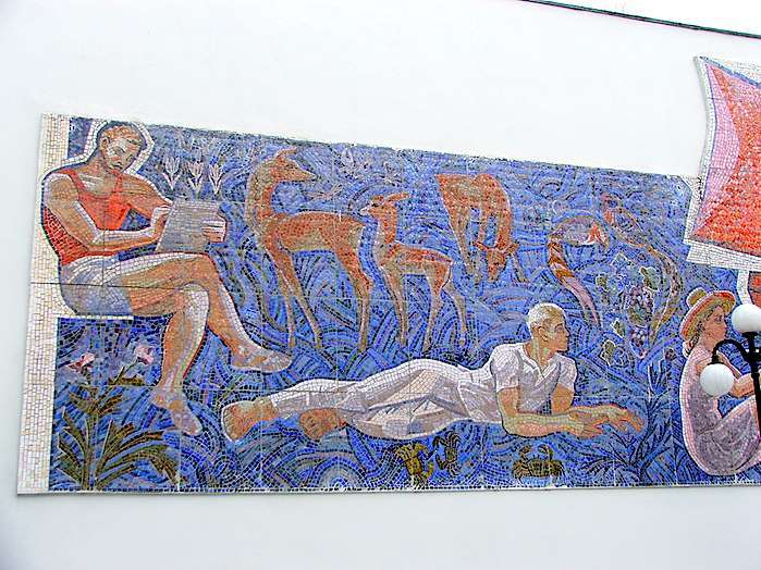 Панно «Искусство» для выставочного зала в Ялте